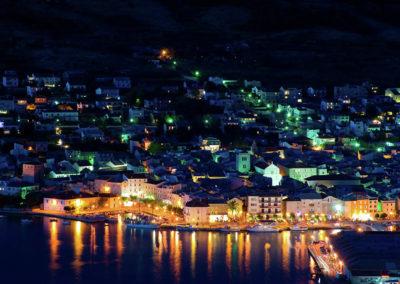 Pag város éjjel
